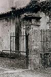 Lucca-castello-gateway-v-T